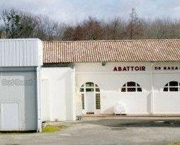 2 744 000 euros pour la restructuration de l'abattoir.  photo S. M.